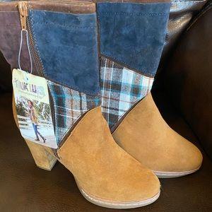 Mike like boots